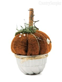 Put a prim spin on classic fall pumpkins with this adorable wool pincushion.