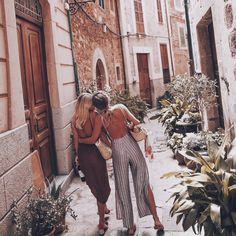 I know not all that may be coming, but be it what it will, Ill go to it laughing. Best Friend Goals, Best Friends, Friends Image, Photo Voyage, Gal Pal, Friend Pictures, Girl Gang, Besties, Summer Outfits