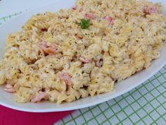 Sokszor kerül tésztasaláta az asztalra. Szeretjük mert gyorsan, és előre elkészíthető, remek köret, de magában is megállja a helyét.Érdemes is... Pasta Salad, Side Dishes, Paleo, Gluten, Ethnic Recipes, Food, Crab Pasta Salad, Essen, Beach Wrap