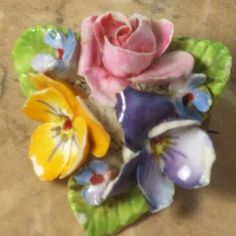 Dorothy Ann vintage floral brooch of bone china | English jewellery | Jewels & Finery UK. Sold