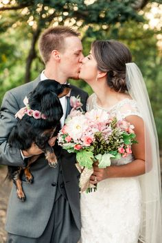 #sweet #wedding #family #dog #kiss #photography @weddingchicks