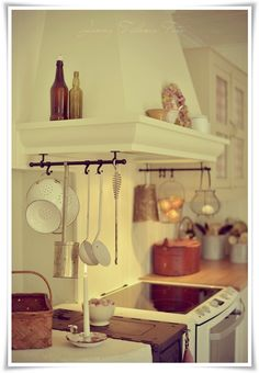 Madame Petite - Lantlig Inredning - Styling - Foto: Höst love this rang Petite Kitchen, Kitchen Redo, Kitchen Remodel, Warm Kitchen, Kitchen Ideas, Cheap Home Decor, Diy Home Decor, Layout Design, Estilo Cottage