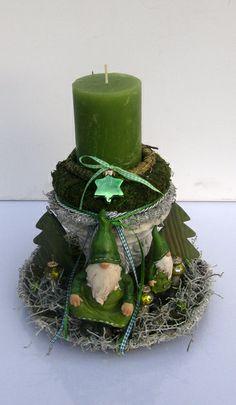 Weihnachtsgesteck - Wichtel im Wald von kunstbedarf24 auf DaWanda.com