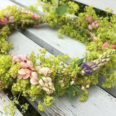 """Mi piace"": 159, commenti: 11 - Ingela (@inglalaia_gardenjoy) su Instagram: ""GLAD MIDSOMMAR  Happy Midsummer😘 #trädgård #mygarden #trädgårdsliv #midsommarkrans #midsommar…"""