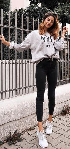 b1521f3585164 Como atualizar o look com calça skinny - Guita Moda. Moletom cinza estampado