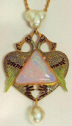 Art Nouveau artists - Lalique Jewelry. Pendants ~ Blog of an Art Admirer