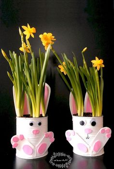 Want a quick and easy gardening with kids craft idea for Easter? Our adorable Tin Can Bunny Planters use up recyclables already found in your home! My crocuses are in bloom, so that means spring… Spring Crafts For Kids, Bunny Crafts, Easter Crafts For Kids, Toddler Crafts, Craft Kids, Creative Crafts, Easy Crafts, Arts And Crafts, Paper Crafts