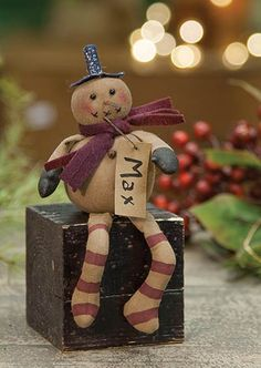 Mini Max is perfect for tucking into a country primitive tree, or sitting on a shelf or mantel!