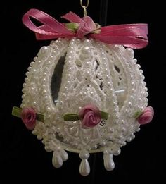 How to Make Victorian Style Lace Christmas Ornaments: