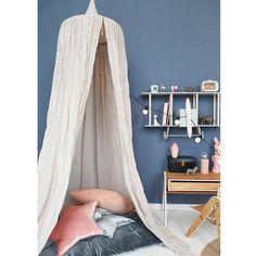 Smuk sengehimmel til børneværelset eller haven fra Numero 74. Se udvalg online her. Eksklusivt interiør til børneværelset der oser af stemning og hygge.