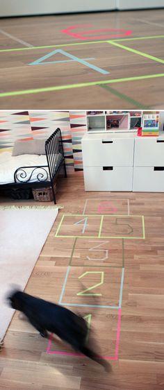 Hyppyruudukko. lasten | askartelu | joulu | käsityöt | koti | leikki | DIY ideas | kid crafts | christmas | home | play | fun | Pikku Kakkonen
