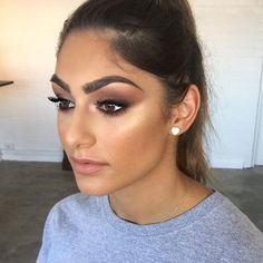 Book your makeup appointment today! Holly_garvey@outlook.com spray tans also available over Christmas. #hollygarveymakeup