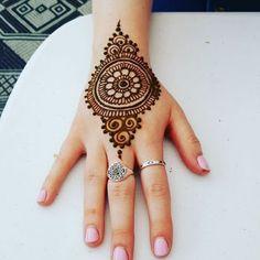 121 Simple mehndi designs for hands - mahendi - Henna Designs Hand Henna Hand Designs, Dulhan Mehndi Designs, All Mehndi Design, Mehndi Designs Finger, Henna Tattoo Designs Simple, Full Hand Mehndi Designs, Modern Mehndi Designs, Mehndi Designs For Beginners, Mehndi Designs For Girls