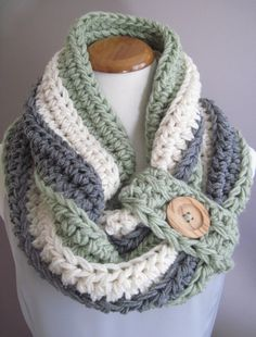 Chunky Bulky Button Crochet Cowl:  Off White, Moss Green and Heather Gray with Natural Wood Button