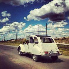 Un Citroën 3CV Prestige por las Rutas Argentinas compartido por @Valentn3 #twitter #instagram - taken by @citroen_arg - via http://instagramm.in