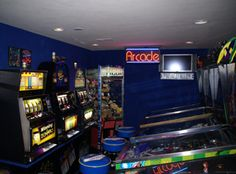 Variations DEF: Objects that make a room interesting to see. WHY: I always found arcades to be a really good attention getter for all the forms of shapes and colors it holds. Arcade Game Room, Arcade Games, 80s Aesthetic, Home Theater, Pinball, Night Light, New Homes, Lights, Fun