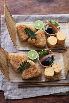 Grilled 'onigiri' rice balls, tamagoyaki egg rolls served with tsukemono pickles . Japanese Food Art, Japanese Dishes, Cute Food, Yummy Food, Aesthetic Food, Food Design, Food Presentation, No Cook Meals, Food Photo