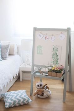 1 purchased -IKEA hacks: An IKEA chalk board / white board decorated with pale blue chalk paint. IKEA hacks - how to paint an IKEA chalk board to make it look beautiful for a kids room or playroom Girl Room, Girls Bedroom, Childrens Bedroom, Room Baby, Nursery Room, Girl Nursery, Nursery Ideas, Ikea Easel, Old Pallets