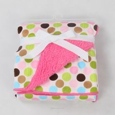 Burp Cloth Tutorial, Flannel Baby Blankets, Baby Wraps, Baby Swaddle, Burp Cloths, Future Baby, Pet Supplies, Baby Shower Gifts, Baby Strollers