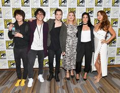 Christopher Larkin, Eliza Taylor, Richard Harmon, Bob Morley, Marie Avgeropoulos, and Lindsey Morgan at an event for The 100 (2014)