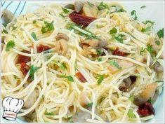 ΣΚΟΡΔΟΜΑΚΑΡΟΝΑ ΜΕ ΜΑΝΙΤΑΡΙΑ ΚΑΙ ΛΙΑΣΤΗ ΝΤΟΜΑΤΑ!!! - Νόστιμες συνταγές της Γωγώς! Croatian Recipes, Spaghetti, Ethnic Recipes, Food, Essen, Yemek, Spaghetti Noodles, Meals