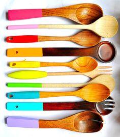 DIY wood spoons… a rainbow of spoons!