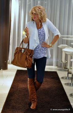 """Totally love this bag! It's in my closet right now and I can't wait to use it for Fall! Michael K's """"The Hamilton!"""" Def a must!"""