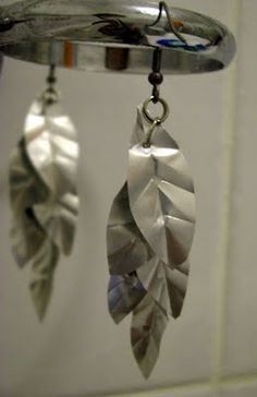 DIY earrings from an aluminum can w/a tutorial. Make a matching necklace.