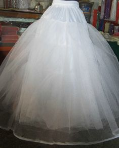 Material:Tulle|Material:Organza and Fabric  #weddingaccessories #weddingdress #wedding