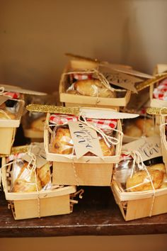 Picnic baskets of baked goods as favors. Photography: Alison Conklin Photography - alisonconklin.com  Read More: http://www.stylemepretty.com/pennsylvania-weddings/philadelphia/2014/01/28/vintage-modern-philadelphia-wedding-at-front-palmer/