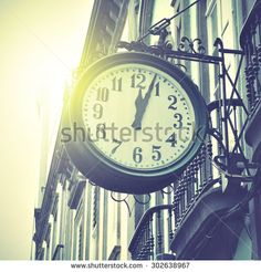 Station Clock Retro Stockfoto's, afbeeldingen & plaatjes | Shutterstock