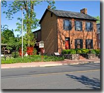 We have alot of great stories to tell about our stay at the Farnsworth House, a haunted bed & breakfast in Gettysburg, Pennsylvania