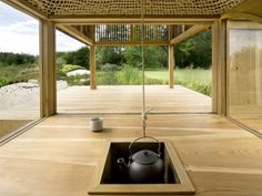 Black Teahouse by a modern interpretation of the rustic Japanese hearth Japanese Architecture, Interior Architecture, Interior And Exterior, Interior Design, Irori, Japanese Tea House, Japanese Style, Japanese Design, Traditional Japanese
