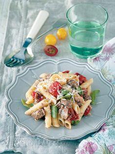 Σκιουφιχτά με ντοματίνια, καβουρμά και βασιλικό #σκιουφιχτά #καβουρμάς Pasta Salad, Cheese, Ethnic Recipes, Food, Crab Pasta Salad, Eten, Meals, Macaroni Salad, Diet