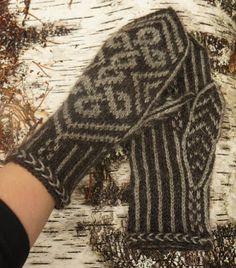 Käsistä karannut Knit Mittens, Knitted Gloves, Knitting Socks, Fingerless Gloves, Wrist Warmers, Knit Crochet, Creative, How To Make, Fashion