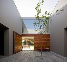 Interior patio - Concrete - Wood...