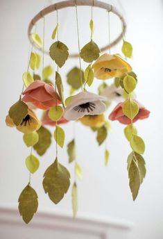 Felt flower&leaf mobile ♡