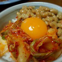今日はお昼ごはんに、ご馳走を食べたので・・・私はこれを(^^) - 43件のもぐもぐ - キムチ納豆TKG by ふりる