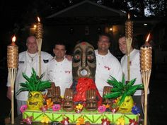 cake boss tiki cake the coolest cake ever Tropical Party Foods, Tropical Party Decorations, Cupcake Art, Cupcake Cakes, Cupcakes, Crazy Cakes, Fancy Cakes, Cake Boos, Cake Boss Buddy