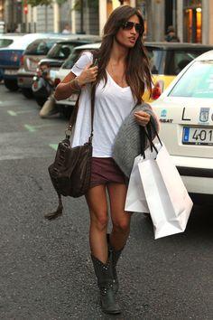 Sara Carbonero Love her style!