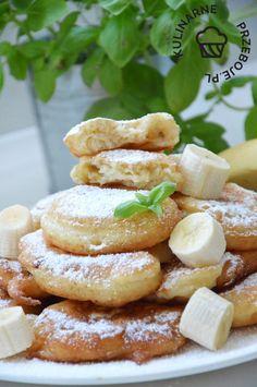 Racuchy z bananami na maślance - KulinarnePrzeboje.pl Cooking Recipes, Healthy Recipes, Sweets Cake, Keto Diet For Beginners, Breakfast For Kids, Polish Recipes, Kids Meals, Sweet Recipes, Delicious Desserts