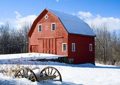 lovely old barn in Winthrop, Maine  This so close to where we would vacation -Wayne, ME!