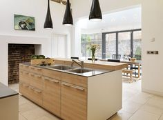 Glazed extension on Georgian townhouse in Berkshire bulthaup by Kitchen architecture #kitchens