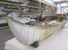 Relic canoe from 18th century a 'stunning find'. Donated to Canadian Canoe Museum.