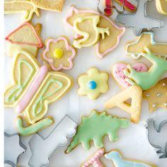 Sugar cookie and royal icing recipe Cookie Icing, Biscuit Cookies, Cupcake Cookies, Cookie Cutters, Baking Cookies, Sweets Recipes, Cookie Recipes, Desserts, Animal Cookies Recipe