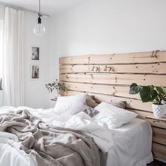 In love with a headboard and I don't care who knows via interiorhints bedroom, interior, design Shiplap Headboard, Bed With No Headboard, Home Bedroom, Bedroom Decor, Gravity Home, Style Deco, New Room, Room Inspiration, Decoration Inspiration