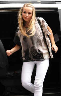 She even looks cool coming out of the car!!! Lol