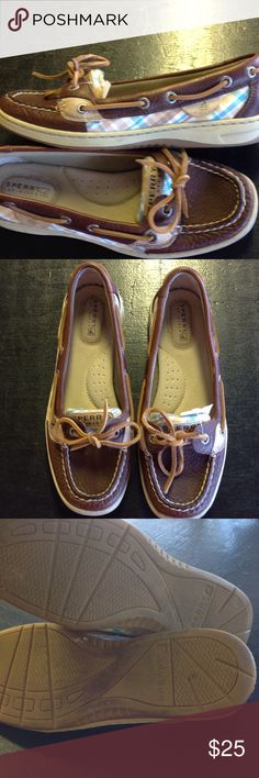 Sperry top siders in great shape Clean, good shape, lightly worn Sperry Top-Sider Shoes Flats & Loafers