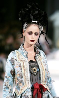 Christian Lacroix - Couture Fall 2005 (runway details) #PurelyInspiration
