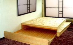 Bild 55: Bett mit ausziehbarem Bettkasten